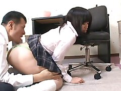 japanese schoolgirl gets her pussy licked by
