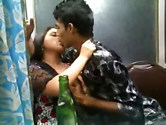 Indian Kissing Big Tits