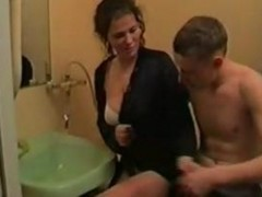 amateur wife sucking in bathroom