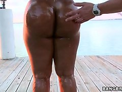 bbc big ass ebony sucking