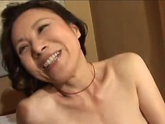plump japanese granny getting her pussy worked