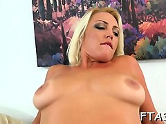 sexy style of pussy-fucking drives sexy whore totally crazy